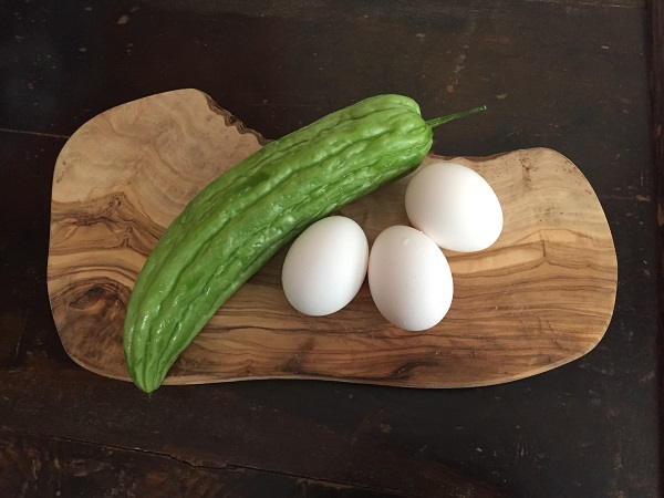Bitter melon and eggs