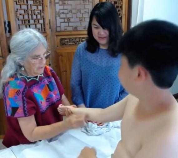 Shonishin Treatment Example